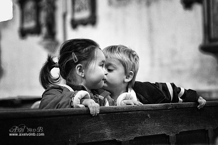 IMAGE: http://www.absolute.free.fr/photos/portraits/france_kids_kissing_church_g.jpg